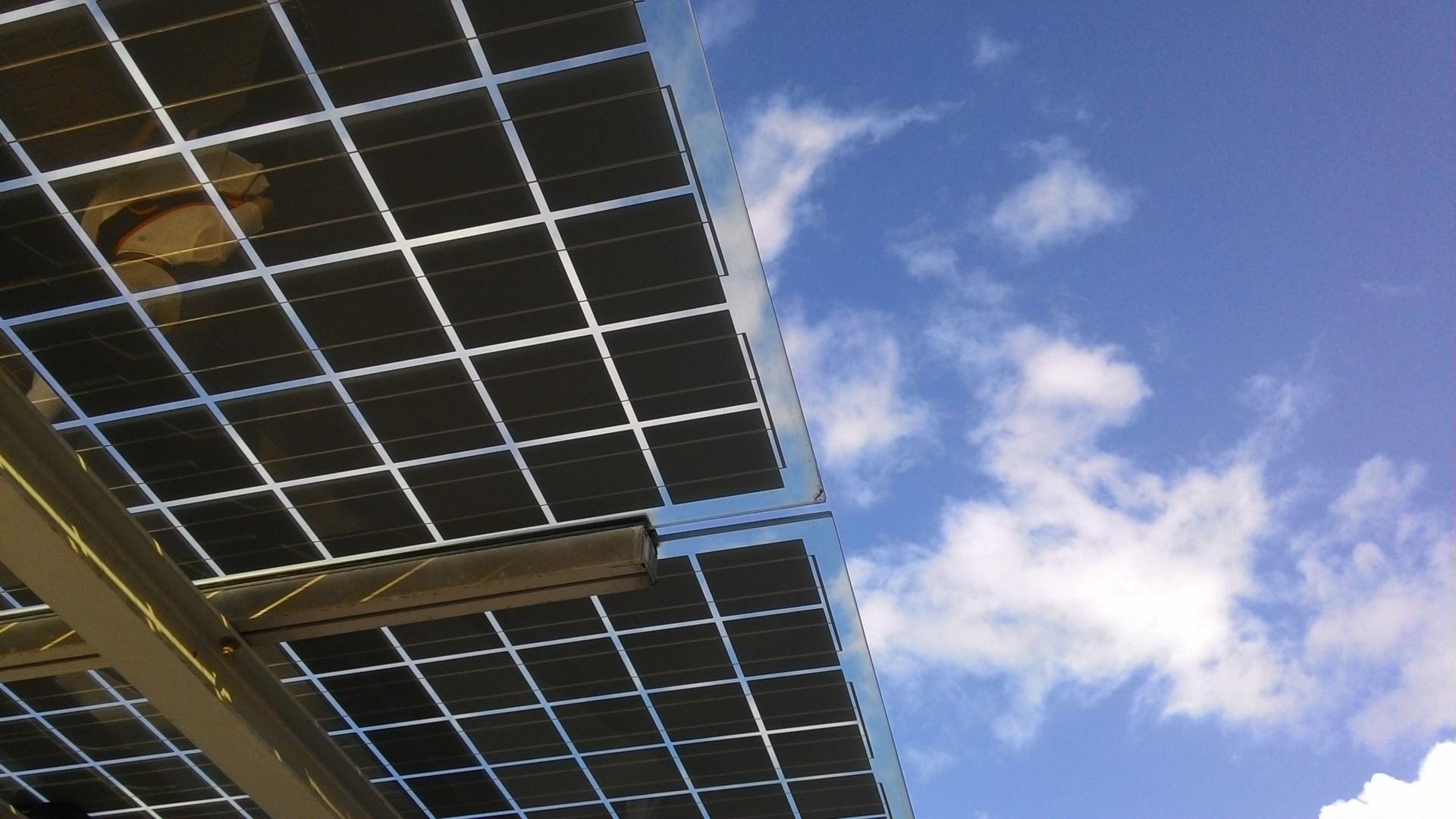 Optimizing Photovoltaic Generation with Machine Learning